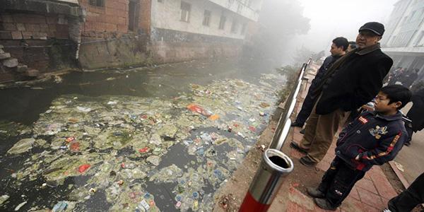Cina: allarme inquinamento corsi d'acqua e falde