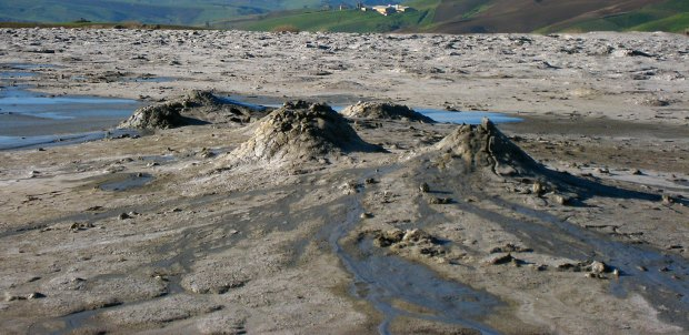 Vulcani di fango nelle maccalube di aragona
